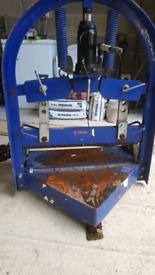 Block cutter