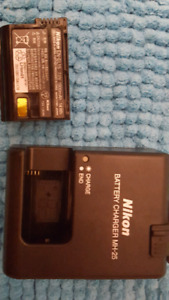 Nikon MH-25 Charger and EN-EL15  Battery