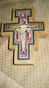 VINTAGE BEAUTIFUL HAND CRAFTED & SIGNED WOODEN CRUCIFIX AAA+ Kitchener / Waterloo Kitchener Area image 4