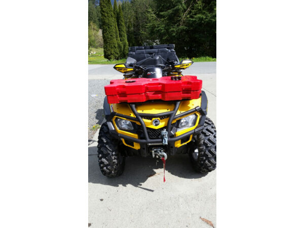 Used 2012 BRP 800 XT MAX ( 2 up seat )