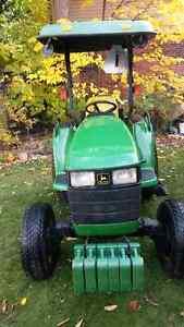 John Deere 4200 4WD compact diesel tractor Belleville Belleville Area image 1
