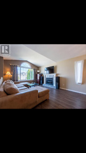 Immaculate 3bdrm Upper Suite Incl Utilities Avail July 15th