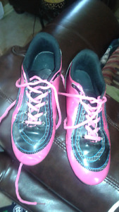 Souliers soccer fille taille 6