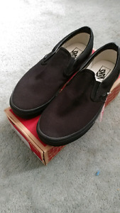 Vans Classic Slip Ons Size 11 NEW