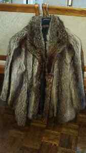 Beautiful raccoon real fur coat in very good condition