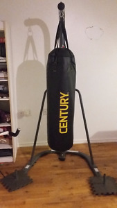 Punching bag et support sur pied