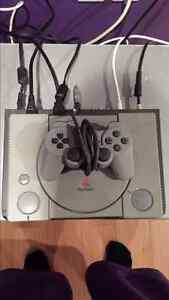 PS1 WITH 1 CONTROLLER, NO GAMES