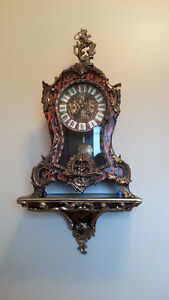 EARLY VINTAGE MANTEL CLOCK WITH SCONCE