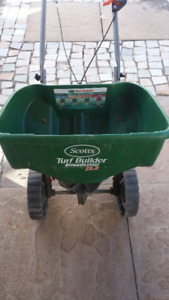 Scott Turf Builder Deluxe Edgeguard Spreader