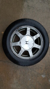 "4 x 16"" alloy rims"