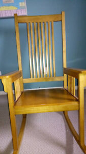 Reclaining wood chair