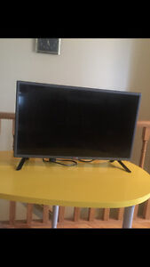 LG Led TV for quick sale, 32 inch
