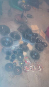 LOT OF NUANCE PARTS/DRIVERS