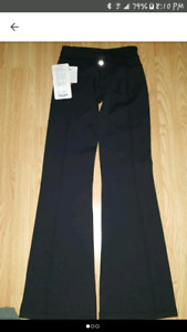 Lulu lemon grove pants brand new with tags attached