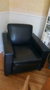 Comfortable Leatherette  Chair