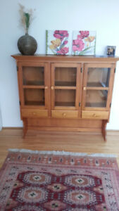 1 Top Piece Hutch (Pine & Glass)