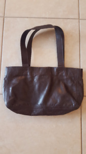 m0851 Brown Leather Purse