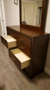 Dresser and night Stand set/ free bed headboard and 2nd night st