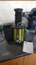 Green metallic SKG fruit juicer