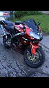 Kawasaki zx9r 2001
