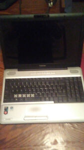 16'' toshiba laptop for part