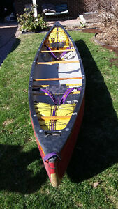 Whitewater/expedition canoe