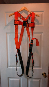 SAFETY PRO SAFETY HARNESS
