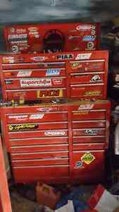 Upper and lower tool chest