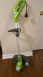 Greenworks 5.5A Electric Grass Trimmer.
