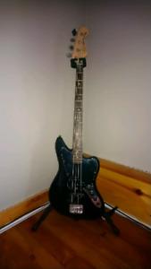 Jaguar bass with Ampeg amp / 15 cab