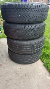 Tire size is 195 65r 15