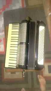 Accordeon hohner 120 basses