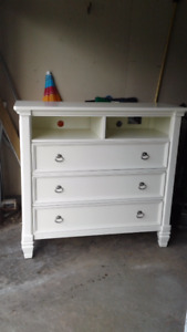 Dresser and TV unit $250 ono