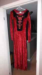 Sinister Witch Halloween Costume - Size M