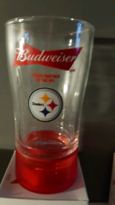 Pittsburg Steelers Bud RED LIGHT touchdown glasses