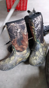 Kids Boggs Boots - Size 5