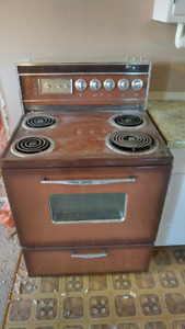 Oven (free to pickup)