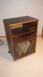 STEREO COMPONANT ROLLING CABINET