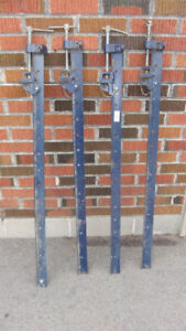 4 groz heavy duty sash clamps  4ft long all in good cond  30$ ea