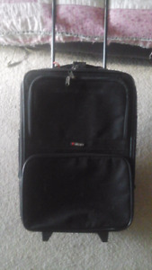 DELSEY CARRY ON LUGGAGE BAG