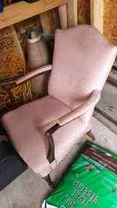 Antique chair, good condition!