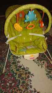Chaise vibrante Fisher Price, Excellente condition!