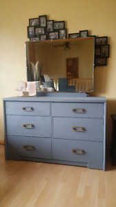6 Drawer Dresser With Mirror And On Wheels