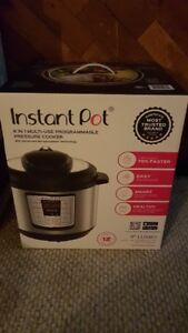 NEW Instant Pot 8 Quart 6-in-1 Pressure Cooker