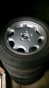 Mercedes Benz alloy rims in excellent shape