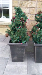 Christmas tree - 2 includes planters
