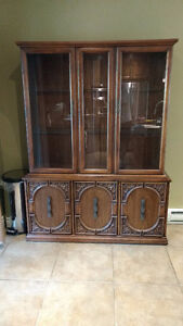 China cabinet/Hutch with Bar
