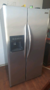 Frigidair Stainless fridge with water and ice