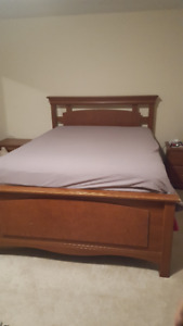 5 Piece Queen Bedroom Set With Mattress and Boxspring GREAT DEAL