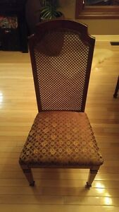 Dining Cherry Wood Table, Matching Hutch and 6 Chairs Windsor Region Ontario image 2